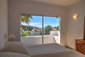 Penthouse with Sea Views, Appartamenti  Benahavís - big - 47