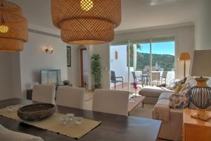 Penthouse with Sea Views, Appartamenti  Benahavís - big - 48