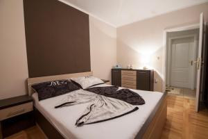 Apartman 5, Биелина