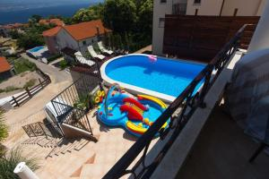 Swimming pool Apartment Konjsko