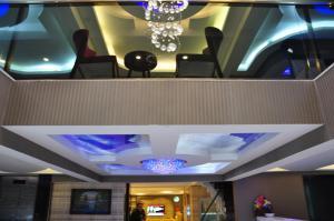 Отель Madi Izmir, Измир