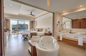 Royalton Saint Lucia Resort & Spa - All inclusive, Rezorty  Gros Islet - big - 4