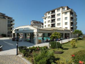 Al Rial Beach Apartments - фото 13