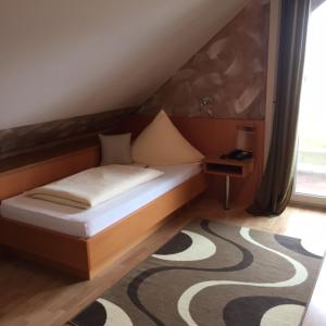 Pension Wagner, Bed and Breakfasts  Ingolstadt - big - 19