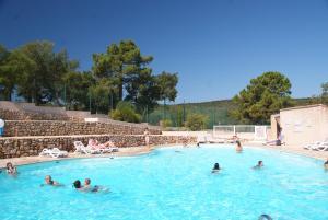 Bungalow Vacances - Riviera Vacances, Кемпинги  Фрежюс - big - 19