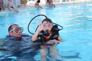 Bungalow Vacances - Riviera Vacances, Kempingy  Fréjus - big - 39