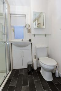 SSA - Atholl House Glasgow Airport, Апартаменты  Пейсли - big - 4