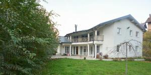 Guest House Edina Visoko, Penzióny  Visoko - big - 1