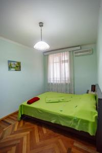 Апартаменты Бульвар с видом на море - фото 14