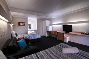 Mayfair Motel