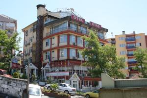 Etas Hotel
