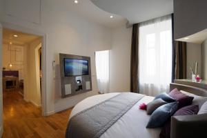 Trevi Fashion Suites, Apartments  Rome - big - 4