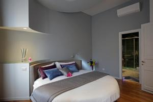 Trevi Fashion Suites, Apartments  Rome - big - 7