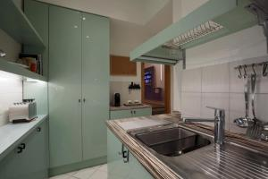 Trevi Fashion Suites, Apartments  Rome - big - 9