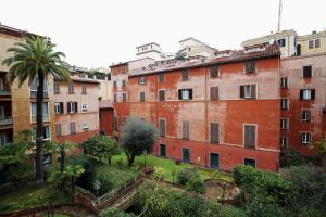 Trevi Fashion Suites, Apartments  Rome - big - 10