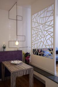 Trevi Fashion Suites, Apartments  Rome - big - 17