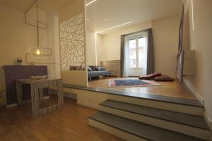Trevi Fashion Suites, Apartments  Rome - big - 2