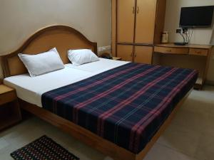 Hotel Sri Rajamatha Residency