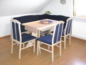 Haus Hinze, Ferienwohnungen  Ibach - big - 5