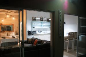 101 On Tenth, Апартаменты  Гонуби - big - 8