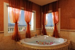 Villa Iris Luxury House, Vily  Malia - big - 5
