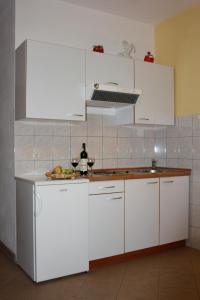 Apartments IDA Sucuraj, Appartamenti  Sućuraj - big - 19