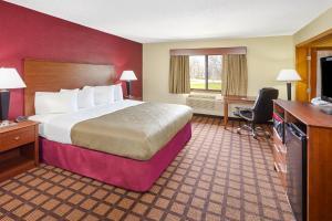 AmericInn Lodge and Suites Burlington