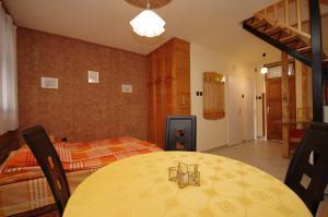 Milán Apartman-Gyula, Appartamenti  Gyula - big - 6