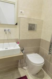 4Bros Wonderful Apartment 14, Ferienwohnungen  Rom - big - 8