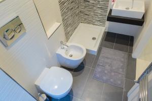 4Bros Wonderful Apartment 14, Ferienwohnungen  Rom - big - 17