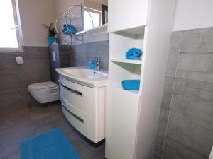 Apartments Milena 1087, Apartmány  Pula - big - 42