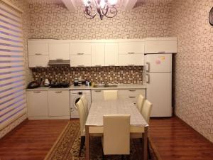 Baku Vacation Home, Nyaralók  Baku - big - 11