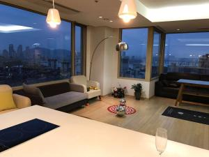 Best Price on Gangnam COEX Luxury Apartment in Seoul + Reviews!