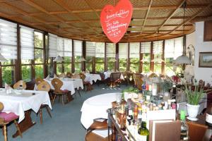 Hotel Sarbacher, Hotels  Gernsbach - big - 33