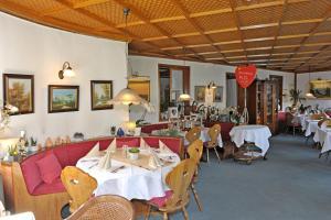 Hotel Sarbacher, Hotels  Gernsbach - big - 30