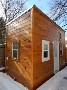 Tiny House Toronto, Penziony  Toronto - big - 1