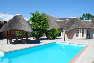 Ongwediva Town Lodge, Лоджи  Ongwediva - big - 25