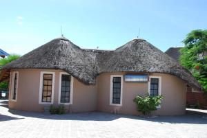 Ongwediva Town Lodge, Лоджи  Ongwediva - big - 22