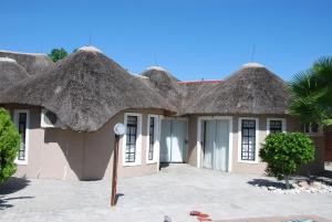 Ongwediva Town Lodge, Лоджи  Ongwediva - big - 7