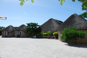 Ongwediva Town Lodge, Лоджи  Ongwediva - big - 6