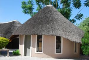 Ongwediva Town Lodge, Лоджи  Ongwediva - big - 15