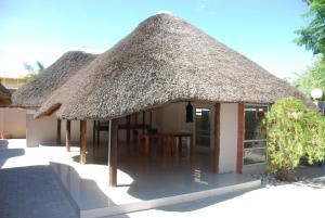 Ongwediva Town Lodge, Лоджи  Ongwediva - big - 12