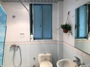 Sunshine Suite Near Longyang Road/Disney Land, Apartmány  Šanghaj - big - 10