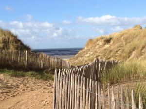 Gîtes de la Mer - Mer et Soleil, Case vacanze  Hauteville-sur-Mer - big - 41