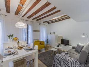 Center Pamplona Apartment