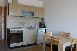 Apartment Kutelo, Apartmány  Bansko - big - 42