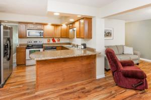 Baymont Inn and Suites Peoria, Отели  Peoria - big - 10