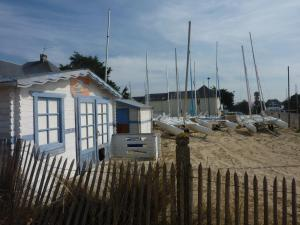 Gîtes de la Mer - Mer et Soleil, Case vacanze  Hauteville-sur-Mer - big - 4