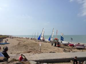 Gîtes de la Mer - Mer et Soleil, Case vacanze  Hauteville-sur-Mer - big - 2