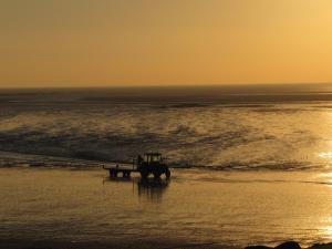 Gîtes de la Mer - Mer et Soleil, Case vacanze  Hauteville-sur-Mer - big - 18